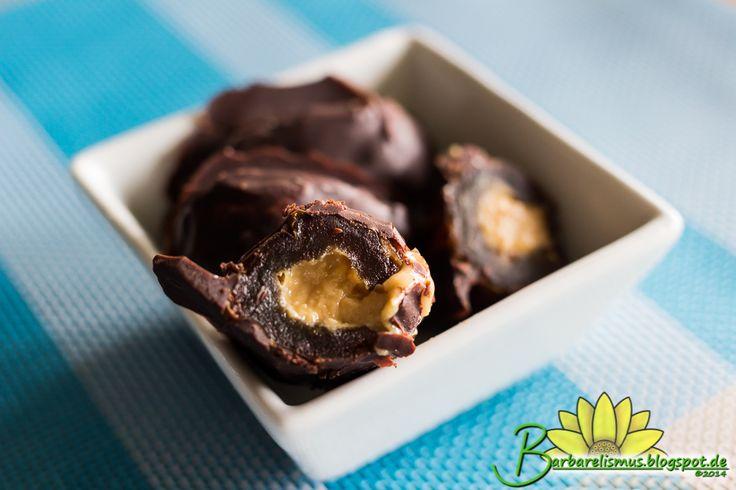 Veganana: Trufas de Tâmaras Recheadas com Pasta de Amendoim - Barbarelismus