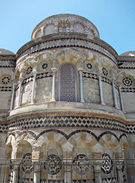 Messina | One of the few churches to have survived the terrible earthquake of 1908 and the aerial bombardment of the city in 1943 is the Chiesa Annunziata dei Catalani. Originally built by the Normans, it was remodelled during the 13th century. The external decoration of the apse and transepts, which shows a strong Arab influence, is quite remarkable.