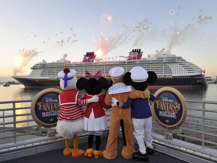 Guest Review: Ten Tips for Disney Cruise Dining with a Toddler | the disney food blog