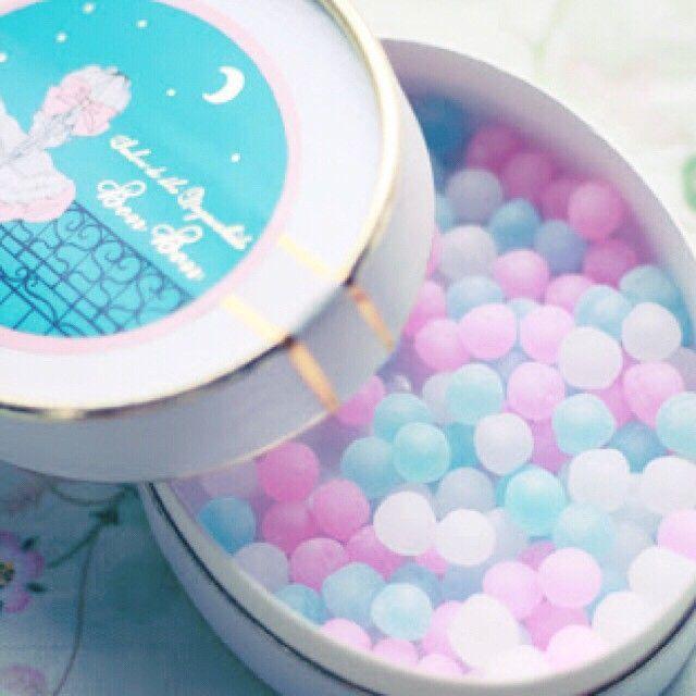 長崎堂が手掛ける「クリスタルボンボン」3色の宝石のような美しさが話題になっています♪