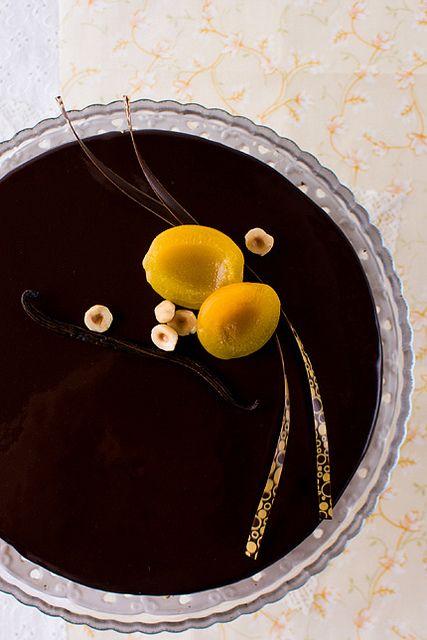 Немного ярких красок, что бы разбавить снежные и холодные будни!:) Солнечные абрикосы, сливочно-сырный мусс, шоколадный бисквит – чудеснейшее лекарство от зимней…