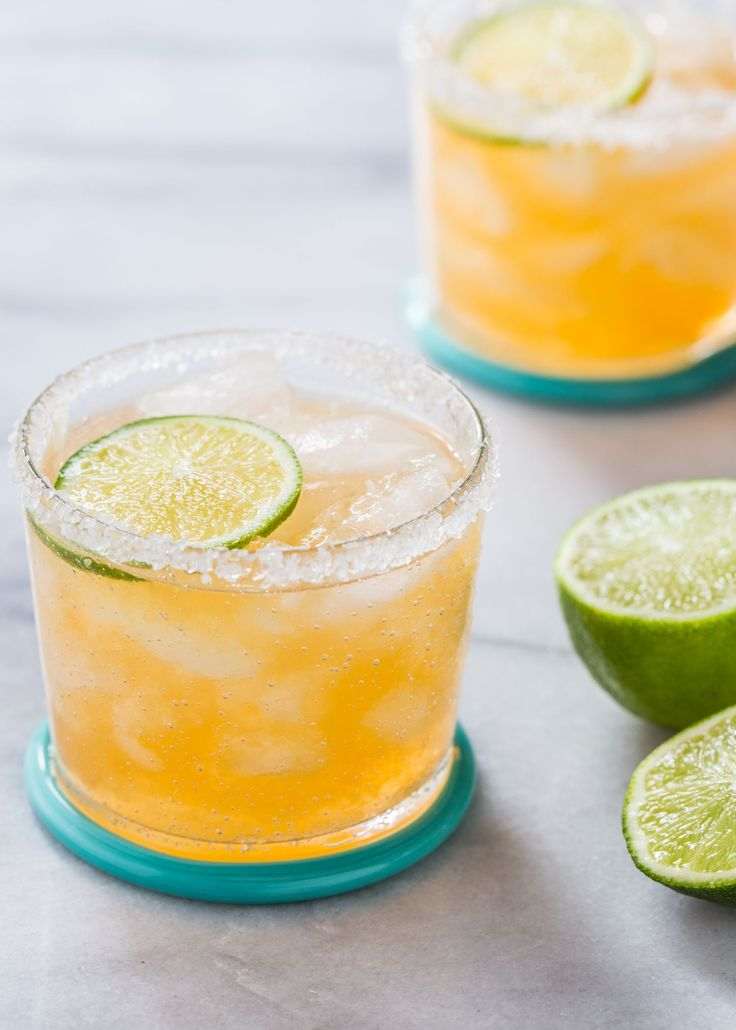 Fresh Cantaloupe Margarita features sweet cantaloupe melon and classic margarita flavors of tequila, Cointreau, and lime for a refreshing summer cocktail! #cocktailrecipes