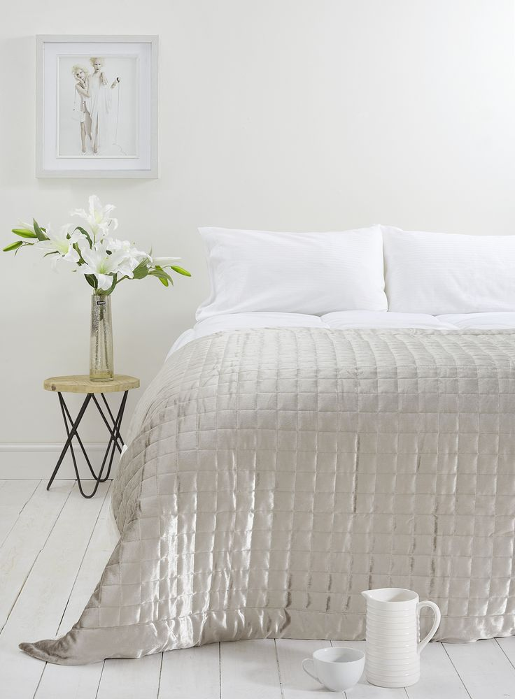 Holly Willoughby Quilted Squares Bedspread - £100 This luxurious, soft to touch quilted squares bedspread, is an excellent addition to the home and will sit beautifully across all bed linen within the Holly Willoughby range