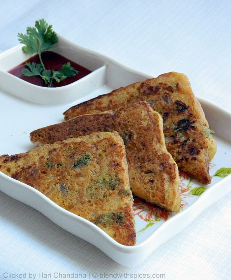 Bread Besan Toast ~ Quick Snack Recipe Under 15 Minutes  RECIPE: http://www.blendwithspices.com/2013/03/bread-besan-toast-quick-snack-recipe.html