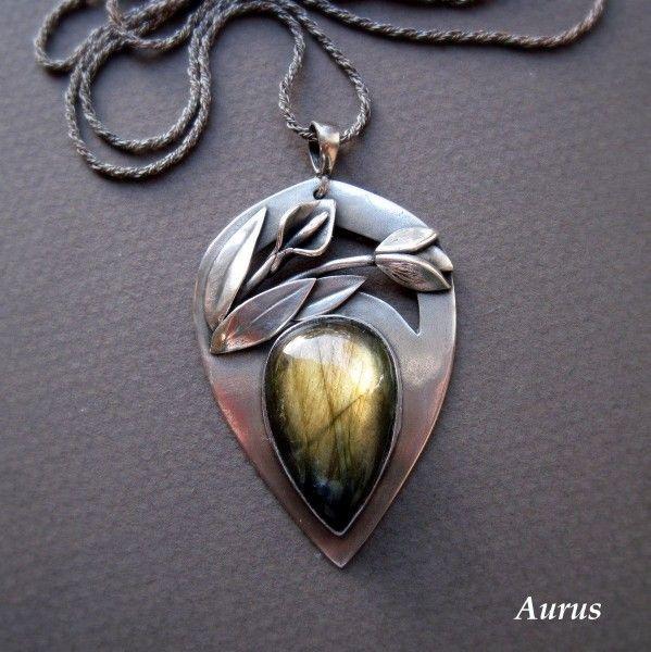 Aurus: WŁÓCZNIA WOJOWNICZKI