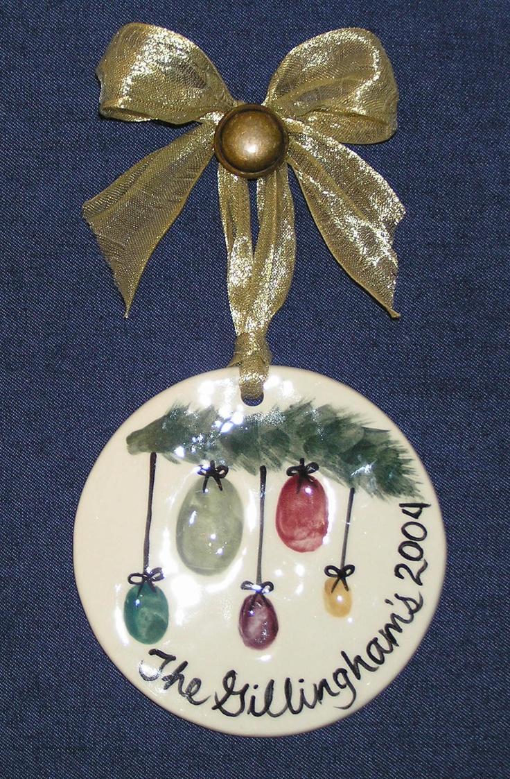 Thumbprint Family Ornament<-----Katherine crawson you guys need to do this with salt dough!