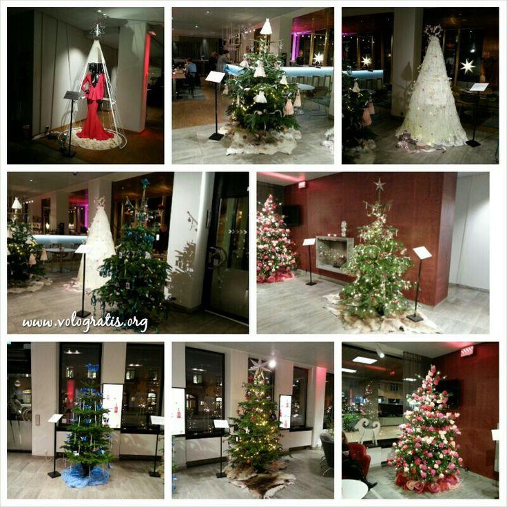Alberi di Natale decorati da famosi designers svedesi In mostra all'hotel Birger Jarl di #Stoccolma