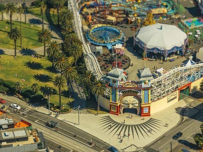 The Luna Park is a big fun house at the beach! It's pretty old but makes so much fun haha