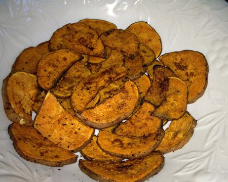 Sweet Potato Crisps: Potatoes Chips, Potatoes Recipes, Recipes Snacks, Baked Sweet Potatoes, Kids Friends Fingers, Fingers Food, Finger Foods, Baking Sweet Potatoes, Potatoes Crisp