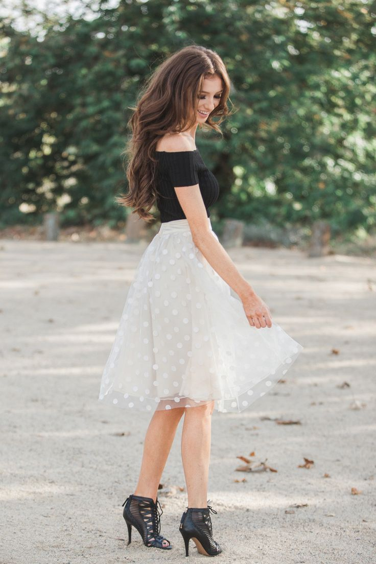 At Morning Lavender we love polka dots and we know you do too! Especially when polka dots come in the form of a beautiful, cream tulle skirt! This poofy perfection will leave you feeling so feminine a