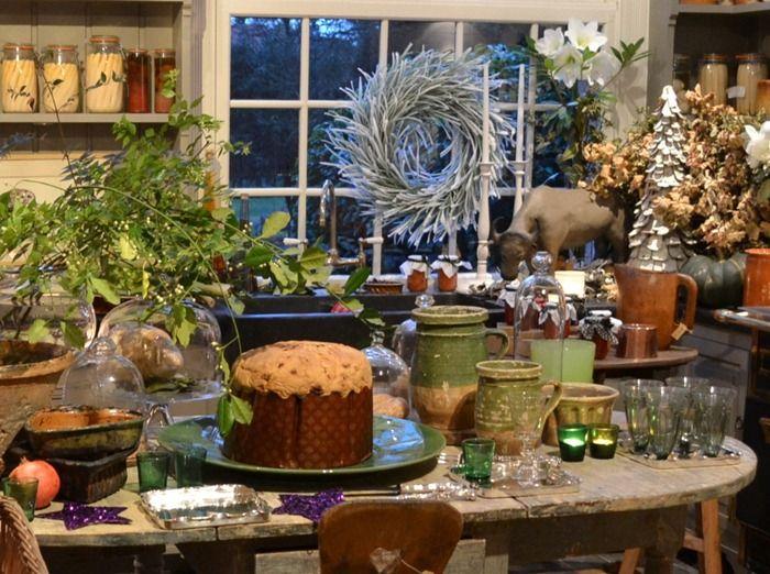 Lush and natural decor in greenhouse kitchen of Walda Pairon designer.
