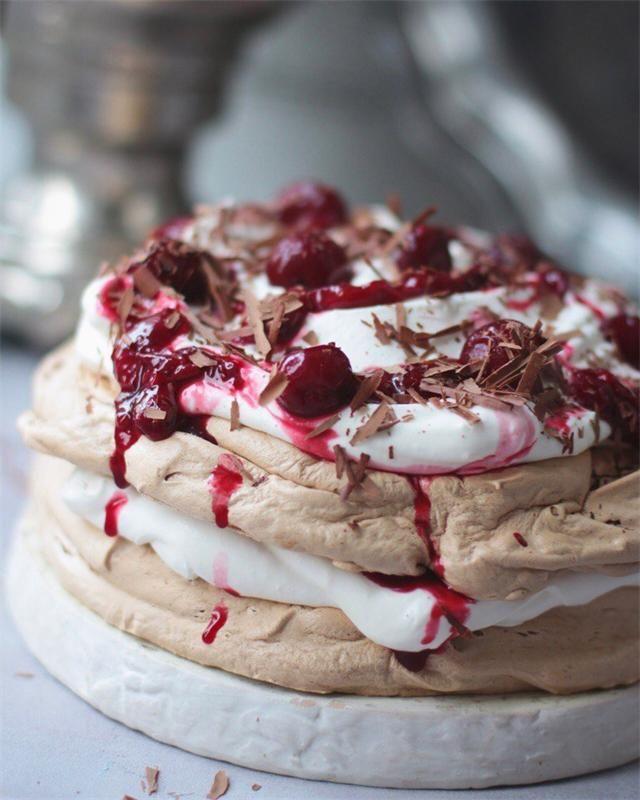 Десерт шоколадный Павлова