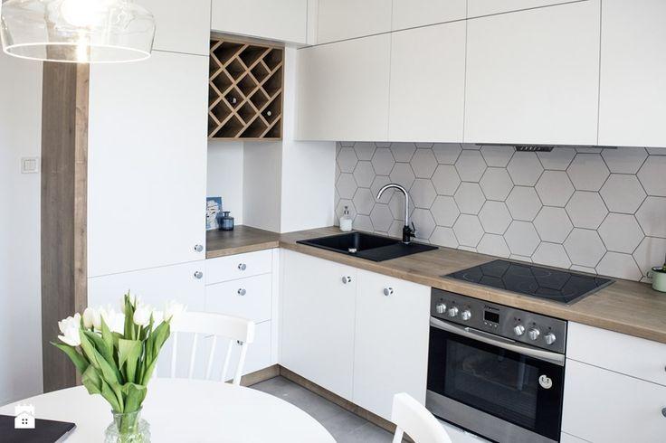 Aranżacje wnętrz - Kuchnia: Geometric fusion - Średnia otwarta kuchnia w kształcie litery l, styl eklektyczny - Zolnik Pracownia. Przeglądaj, dodawaj i zapisuj najlepsze zdjęcia, pomysły i inspiracje designerskie. W bazie mamy już prawie milion fotografii!