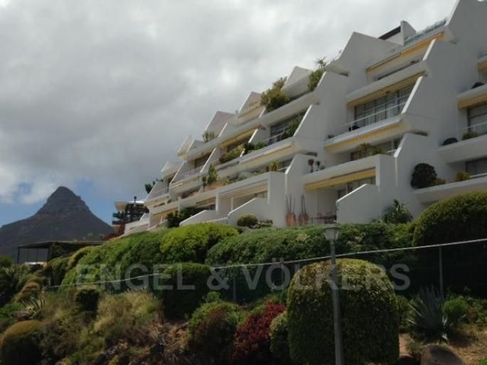 Fully furnished 3 bedroom triplex Apartment, Rent | South Africa, Western Cape, Cape Town, Camps Bay