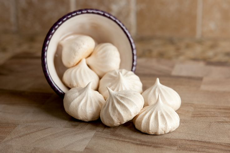 Double Vanilla Meringues - made these last night - while drunk so they are easy