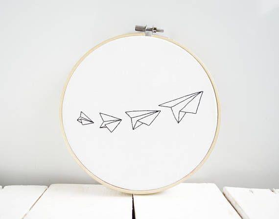 Papierflugzeug Wohnkultur Stickrahmen Kunstfaser Kunst Wand – #kunst #kunstfaser…
