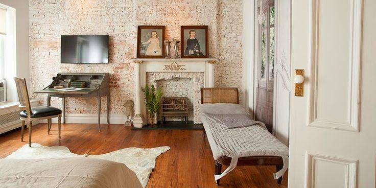 Francuski szyk i ceglane ściany w apartamencie w Nowym Jorku