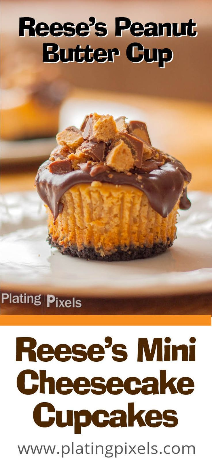 Reese's Peanut Butter Cup Mini Cheesecake Cupcakes with Oreo cookie crust by Plating Pixels. Rich silky peanut butter cheesecake with chocolate ganache topping and Reese's cups by Plating Pixels - www.platingpixels.com