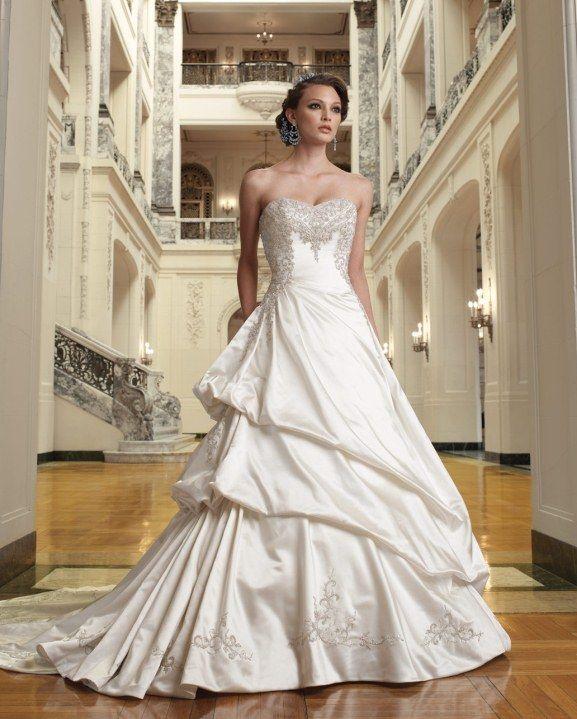 Victorian-inspired-wedding-theme-satin-ballroon-gown-by-Sophia-Trolli_Isabella1.jpg 577×719 pixels