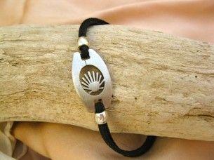 El Camino shell bracelet
