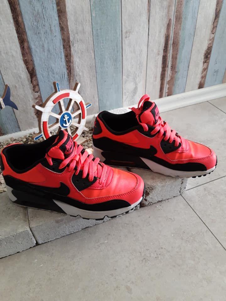 Nike Air Max 90 Rot Schwarze Größe 38,5 | Nike air max, Air