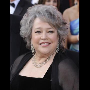 Kathy Bates looks stunning arriving at the 82nd Emmy Nominations 07/19/2012.