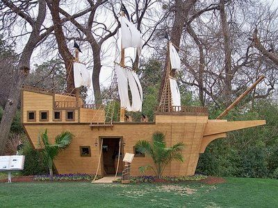 Diy how to build pirate ship playhouse woodworking for Boat playhouse plans