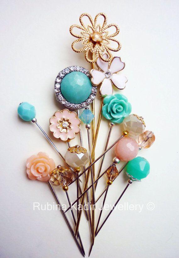HIJAB PIN - 15 Mint Green Peach Cream and Gold Hijab Pin Mix / by RubinaKadir, £12.50 #Accessories #pins