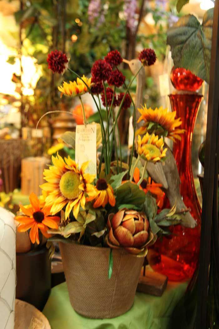 35 best images about fall wedding flowers on pinterest sunflower centerpieces september - Terras arrangement ...