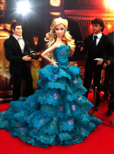 barbie doll evening gowns / 37 qw