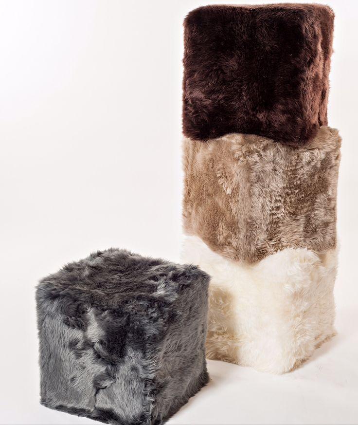 42 best decoration fourrure images on pinterest furs carpet and sheep. Black Bedroom Furniture Sets. Home Design Ideas