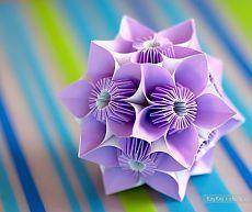Цветочная кусудама, бабочка / Искусство оригами - поделки из бумаги / КлуКлу. Рукоделие - бисероплетение, квиллинг, вышивка крестом, вязание