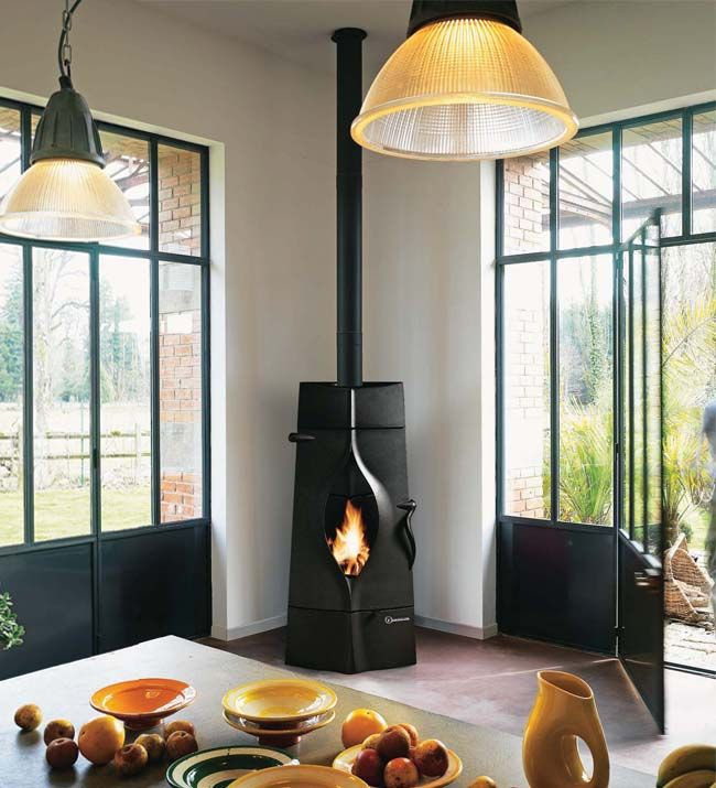 INVICTA-ORACLE-FREESTANDING-WOODBURNING-STOVE from leading UK experts Direct stoves.