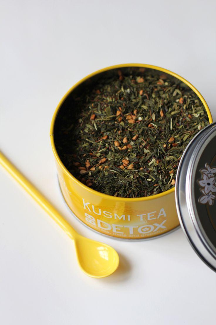 """BB Detox by Kusmi Tea Pamplemousse, maté et thé vert. Une pure tuerie!! Tres tres parfumé à l'odeur et au gout. Chez Kusmi, un des trois qui valent vraiment la peine ( avec """"Be cool"""" et """"Genmaisha"""")..."""