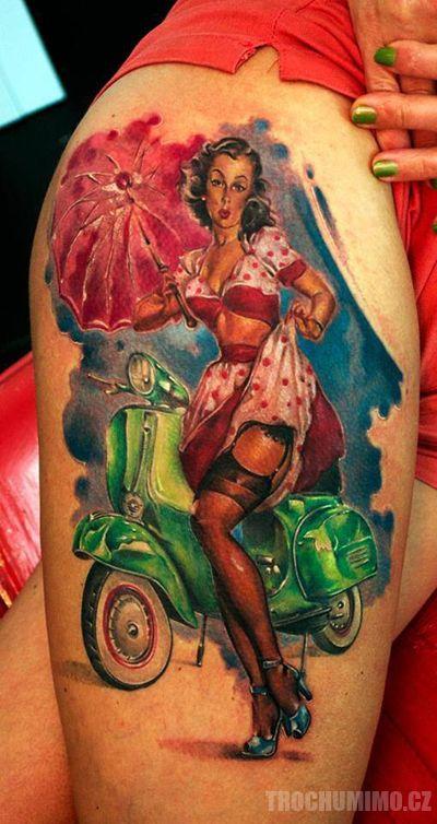 Kam byste toto tetování zařadili? Samozřejmě tam vidíme prvky pin up a tedy i rock n rollu na druhou stranu to spíš nese motivy a vzory pop artu? Co myslíte?