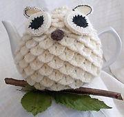 Ravelry: Barnie/Snowie Owl Crochet Tea Cosy pattern by Carole Greaves