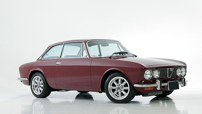 1974 Alfa Romeo 2000GTV | Mecum Auctions