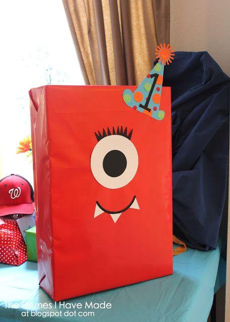 Decora una caja con papel silueta y ponle un rostro de los personajes de Monsters University, #FiestasInfantiles