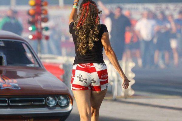 Drag Racing Back Up Girls! |