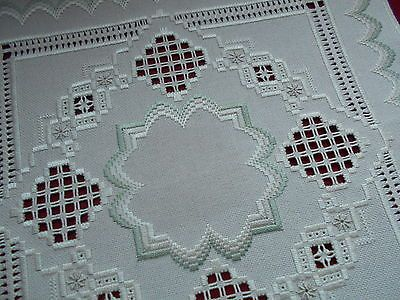 Beautiful-Hardanger-and-Bargello-Doily
