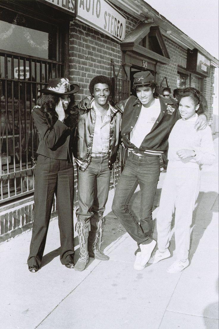 1981 Michael Jackson, Janet Jackson, Latoya Jackson and Robert White (manager of Kim Fields & Todd Bridges) Location: La Brea Blvd & Centinela Blvd, Inglewood, CA