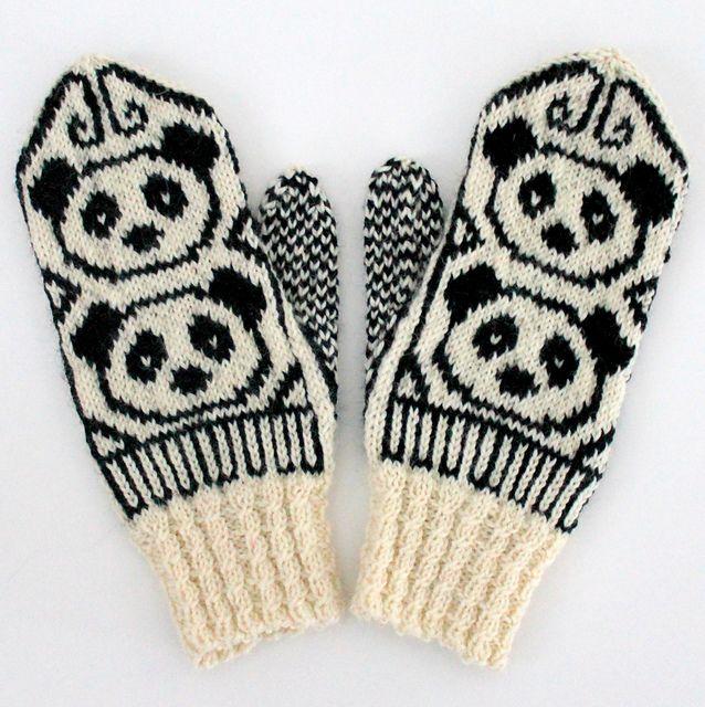 Pandalapaset pattern by Niina Laitinen