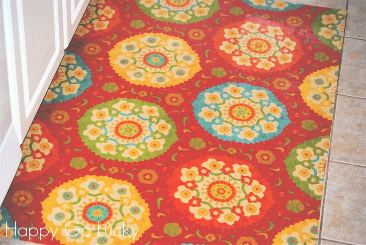 DIY kitchen rug made from fabric and vinyl: Idea, Diy'S, Kitchen Rug, Vinyls Rugs, Diy Kitchens Rugs, Fabrics, Diy Rugs, Crafts, Rugs Inspiration