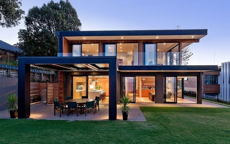 Two-Faced: This modern home has two sides to its architectural story