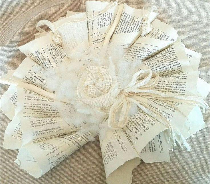 ghirlanda in carta reciclata con fiori in stoffa fatti a mano, by creatività e reciclaggio, 20,00 € su misshobby.com
