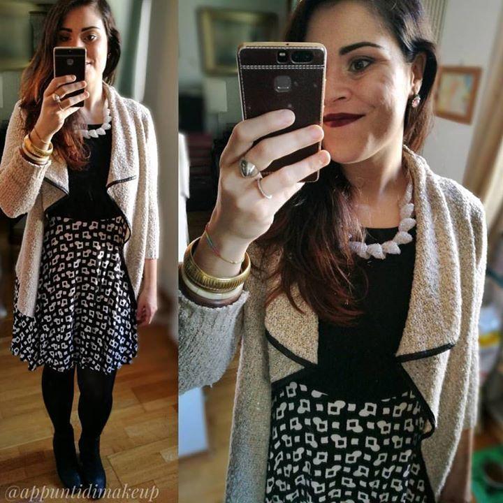 Torna la bella stagione e tornano finalmente i vestitini  questo è senza marca il cardigan è di Tiramisù le scarpe @geox. Ma la vera chicca la collana... Di plastica all'uncinetto! Regalata dal fidanzato presa da un artigiano a Roma  #outfit #OOTD #outfitoftheday #appuntidimakeup #igers #igersitalia #ibblogger #bblogger #igersroma #love #picoftheday #photooftheday #amazing #smile #instadaily #followme #instacool #instagood http://ift.tt/1TFKZ3u