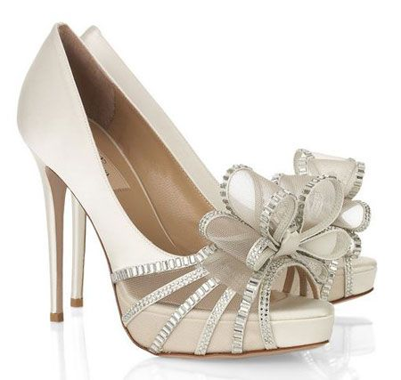 No matter how many versions of this particular bow Valentino bring out, I don't think I'll ever get tired of it.