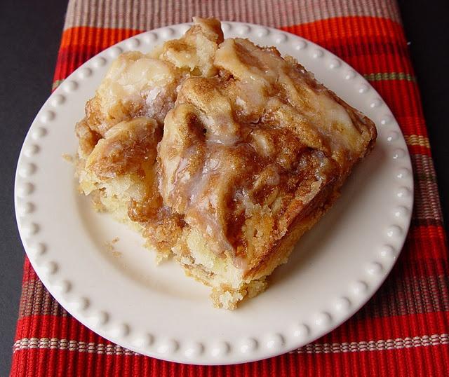 Cinnamon Roll Cake: Desserts, Fun Recipes, Cinnamon Rolls Cakes, Breakfast, Breezi, Breads, Cinnamon Roll Cakes, Christmas Mornings, Cakes Easy