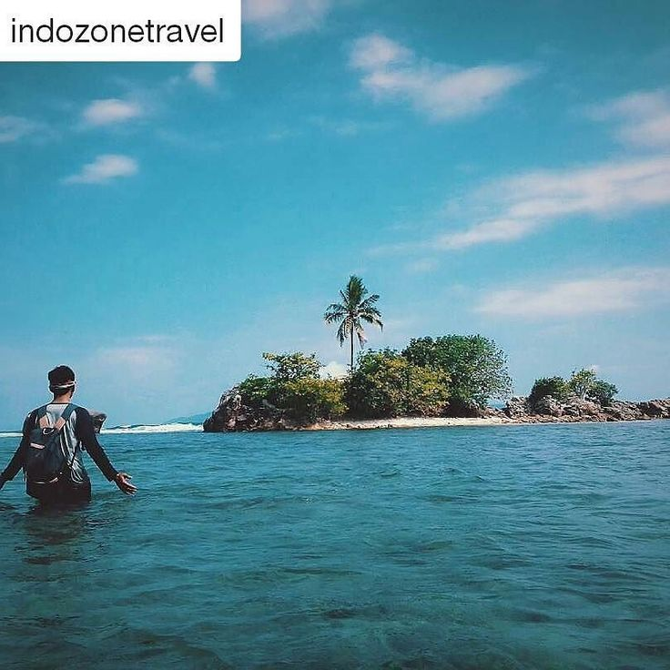 Simply amazing and beautiful . #Repost @indozonetravel (@get_repost)  Location : Pantai Karangputih putih Doh Tanggamus Lampung - Indonesia  Photo by : @fharellgpp14  #indozone #indozonetravel  Nikmati juga serunya pengalaman baru menjelajahi Instagram hanya di @indozone.id guys   #indonesia #jakarta #medan #surabaya #bandung #jogja#makassar #bali #aceh #papua #kalimantan #sulawesi #indovidgram #instagood #love #like4like #photooftheday #tbt #followme #happy #follow #amazing #holiday #travel…