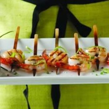 Shrimp Lollipops with Pineapple Chili Dipping SauceSauces Recipe, Sauce Recipes, Shrimp Lollipops, Dips Sauces, Dipping Sauces, Chilis Dips, Pineapple Chilis, Food Recipe, Parties Food